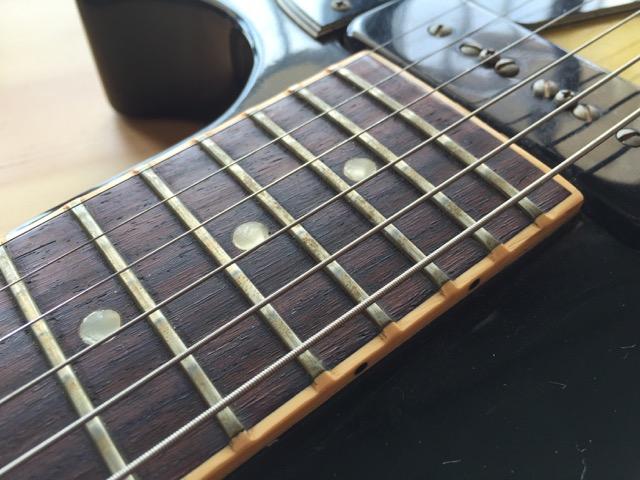 自分でエレキ ギターのフレットを磨き、指板もお手入れしてみる!自分でお手入れして楽器に愛を伝えよう!